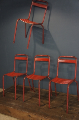 so-vintage-french-european-antiques-industrial-l'original-or-nothing-france-buy-online-cafe-chair-tolix-red-stackable