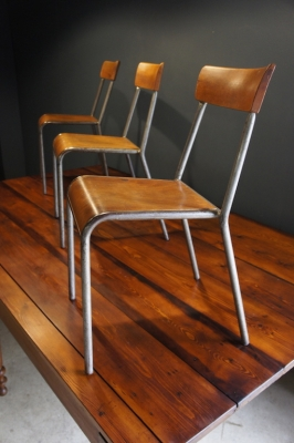 so-vintage-french-european-antiques-industrial-l'original-or-nothing-france-buy-online-school-chair-stella-27